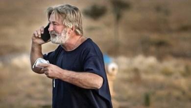 Photo of El actor Alec Daldwin mata a una mujer por accidente durante un rodaje