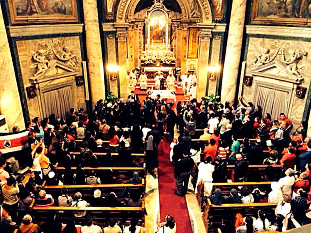 Tres de cada cinco fieles son católicos. (Foto: Archivo)