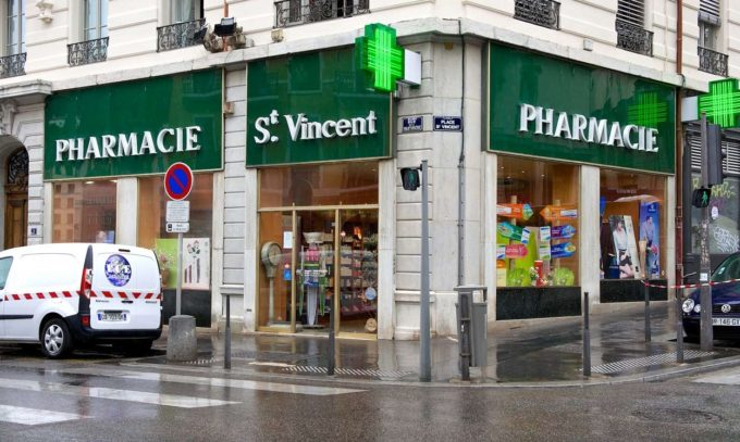 Farmacia Saint Vicent, en Lyon (Francia)