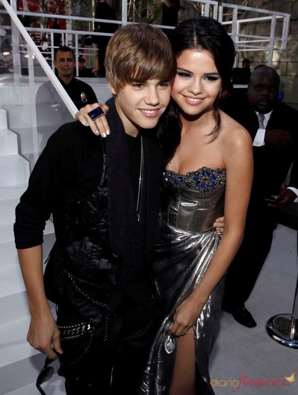 Selena Gomez y Justin Bieber en los MTV Video Music Awards