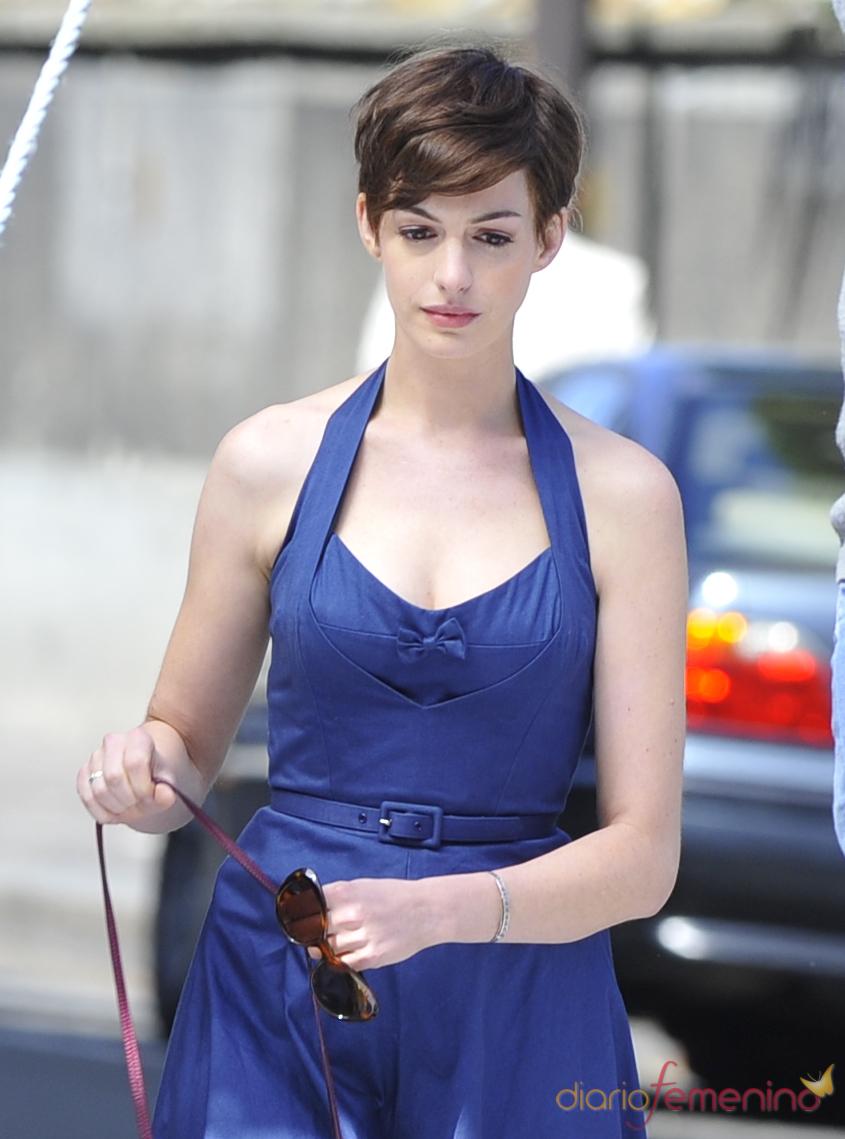 Anne Hathaway Con Pelo Corto