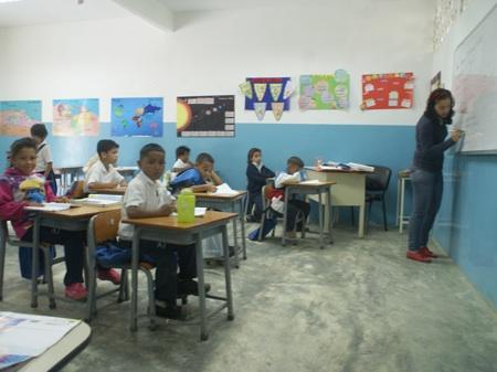 Estudiantes ya trabajan en sus proyectos, enfocados en los animales, las matemáticas y los valores
