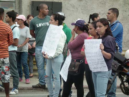 Manifestantes y militares protagonizaron enfrentamiento