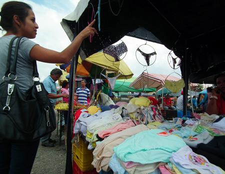 Las ventas de ropa intima amarilla están flojas