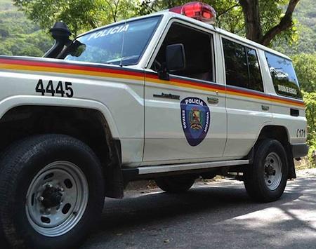 Durante un operativo de patrullaje e inspección de ciudadanos en la calle Carabobo de Los Teques. ARCHIVO
