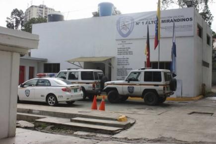 Funcionarios de la Policía del estado Miranda (Polimiranda) detuvieron a un sujeto luego de que intentara robarle el celular a un ciudadano