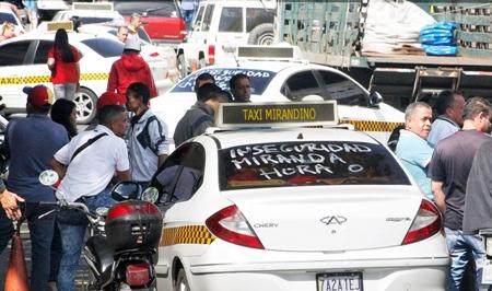 Líneas de todo el estado trancaron la calle Guaicaipuro de Los Teques