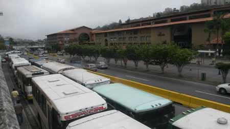 La protesta generó fuerte retraso vehicular en dirección Los Teques.