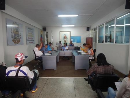 Claudia Toro invitó a todos los sectores a involucrarse en la lucha de calle encabezada por los diputados