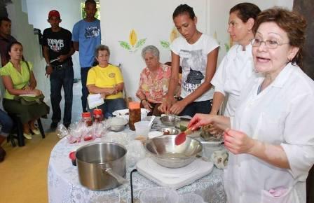 Siguen realizando jornadas de atención integral de salud, así como operativos de desmalezamiento y limpieza de los sectores de esta parroquia