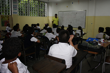 Alumnos de la UEE El Nacional presentarán sus proyectos la próxima semana. Foto: Irbel Useche