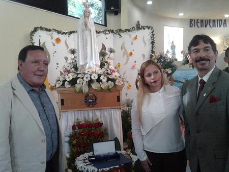 Alcalde de Carrizal entregó la llave de la ciudad a la madre de Dios en su advocación de Fátima.