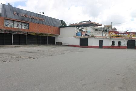El paro fue acatado por gran parte de los comercios y ciudadanos del municipio Los Salias.  Foto: Juan Gonzalez