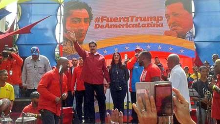 La movilización comenzó a las 9 de la mañana desde la Avenida Libertador a la altura de la Cantv, hasta llegar a las afueras de Miraflores en el centro de Caracas