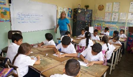 Gran cantidad de alumnos dejaron los colegios privados Foto: Irbel Useche