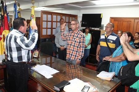 Alcalde José Luis Rodríguez refuerza el recinto policial del municipio