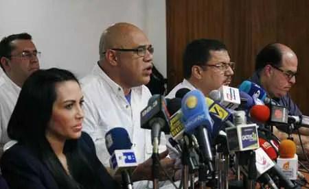 Torrealba dijo que desde 7 áreas se avanzará hacia un único punto de concentración que será anunciado 48 horas antes de la Toma de Caracas. NEWS FLASH / JC