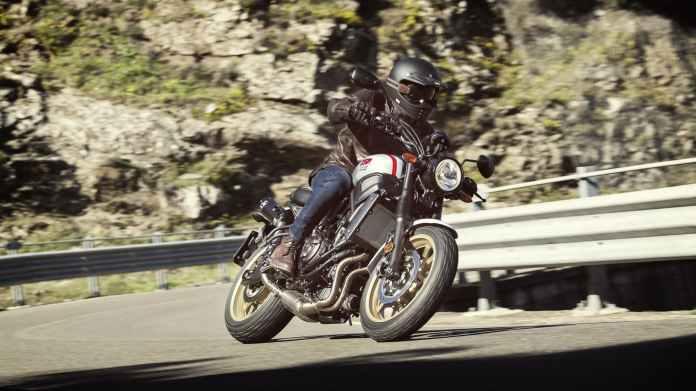 2019 Yamaha Xs700scr Eu Tech Black Action 002 03