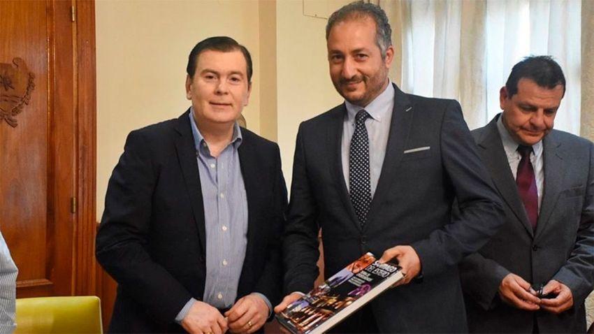 Mahmoud Abdou Saad Khalifa en una de sus visitas a la provincia en 2019, junto al gobernador Gerardo Zamora