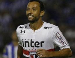 São Paulo convence no segundo tempo e avança