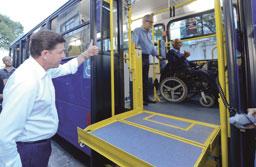 São Bernardo entrega 10 novos ônibus à população