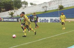 Reservas do Santo André empatam com o time sub-20 em jogo-treino no Bruno Daniel