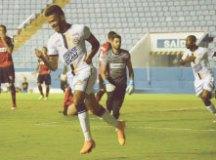 Alvinho comemora gol no empate entre os dois times. Foto: Anderson Lira/Futura Press/Folhapress