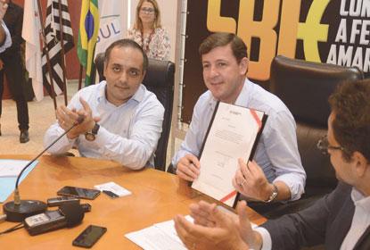 Prefeitura de São Bernardo lança edital de app de automóveis e economiza R$ 5 mi