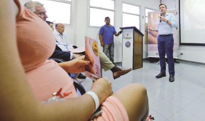 Prefeitura lança programa para proteger gestantes contra o Aedes