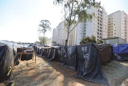 Estado cede casas para desfazer ocupação do MTST em S.Bernardo