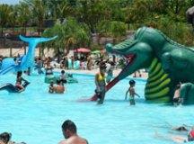 7 parques aquáticos para curtir o fim do verão no estado de São Paulo