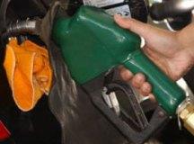 Greve de caminhoneiros leva governo a discutir política de reajuste de combustíveis