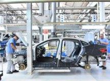 Produção industrial supera expectativa em abril