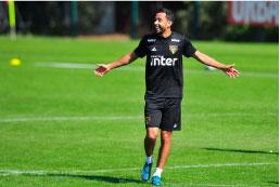 Bruno Peres assume a titularidade da lateral direita do São Paulo contra o Sport