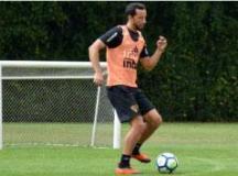 Após cumprir suspensão, Nenê volta a ser relacionado para partida contra o Atlético-MG