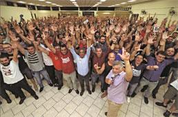 Metalúrgicos do ABC rejeitam proposta e entregam aviso de greve
