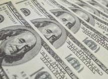 Dólar fecha abaixo de R$ 3,90 em segundo dia de euforia com pesquisas que dão vantagem a Bolsonaro