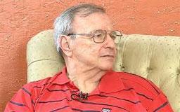 Gil Gomes, que tratava do mal de Parkinson desde 2005, passou mal em casa e foi levado ao hospital, mas não resistiu.. Foto: Reprodução