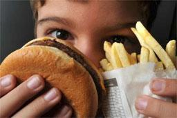Maioria de adolescentes acompanhados na atenção básica se alimenta mal