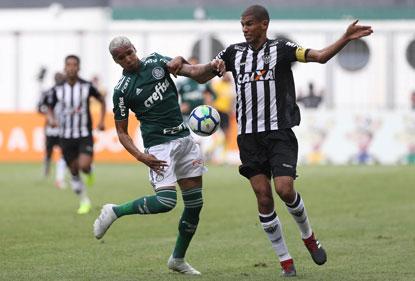 Palmeiras empata com Atlético-MG e mantém vantagem sobre o Inter