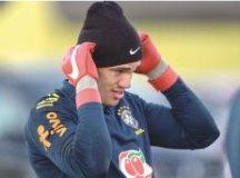 Sem Neymar, seleção vai a campo com oito convocados