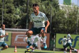 Scarpa renasce e volta a ter chance no ataque do Palmeiras