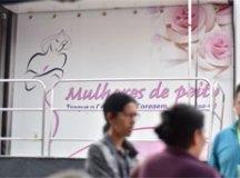Moradoras da cidade podem realizar exame gratuitamente na unidade móvel do Estado. Atendimento acontece de segunda a sábado. Foto: Mariana Rodrigues/PMETRP
