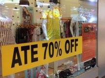 Para acabar com estoques, varejo realiza liquidações com descontos de até 70%