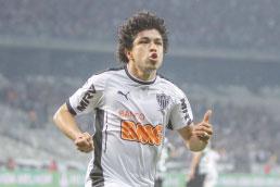 e868e61b27 Corinthians está próximo de contratar o atacante Luan e ceder Clayson ao  Atlético-MG