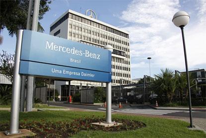 Mercedes-Benz vai abrir 600 vagas no ABC e ampliar produção de caminhões