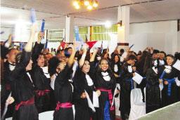Mais de 500 pessoas prestigiam formatura na EE João Ramalho