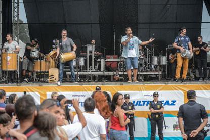 Inimigos da HP agitam o público no segundo dia do Festival de Verão do Riacho Grande