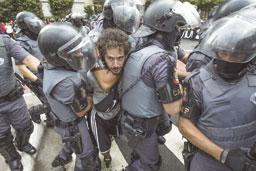 Ato contra aumento da tarifa de transporte tem violência na av. Paulista