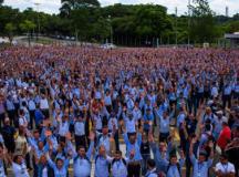 Participaram da assembleia cerca de 4 mil trabalhadores, segundo o sindicato. Foto: Reprodução/SMSJC